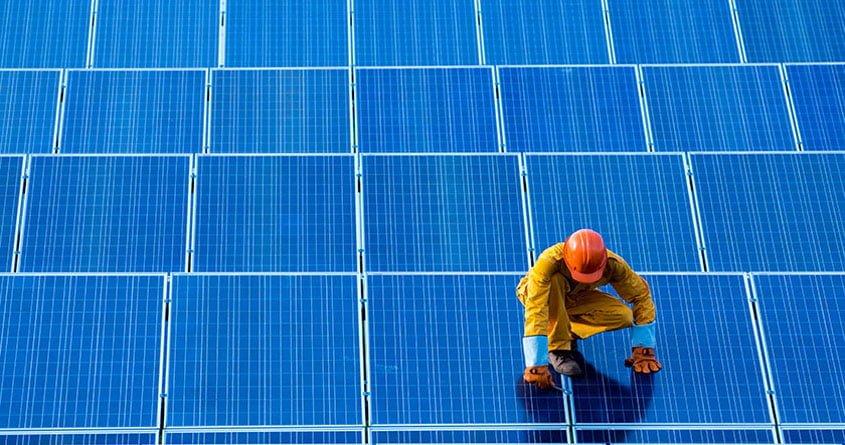 """Yenilenebilir Enerji Yatırımları """"Sinyal"""" Veriyor"""