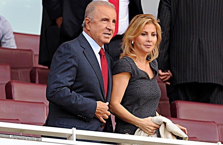Ünal Aysal, Yunanistan'da gayrimenkul zengini oldu!