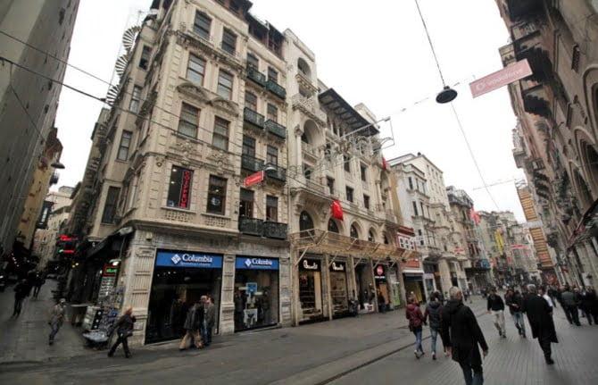 İstanbul'un caddeleri toparlanıyor
