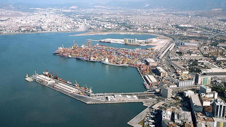 """İzmir Limanı'nın """"çekim"""" gücü artıyor!"""